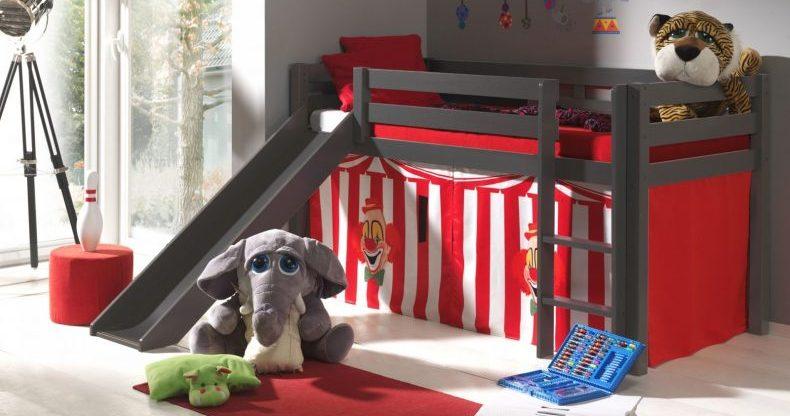pat pentru copii cu loc de joaca