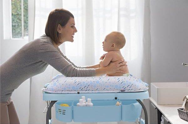 Cum alegi cea mai buna masa pentru spalat si infasat bebe